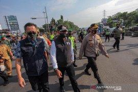 Bima Arya pimpin operasi gabungan penegakan disiplin bermasker di simpang Ciawi Bogor