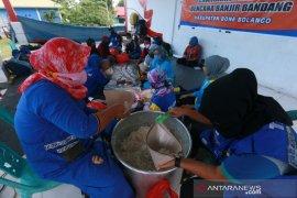 Bone Bolango dirikan dapur umum penuhi kebutuhan korban bencana