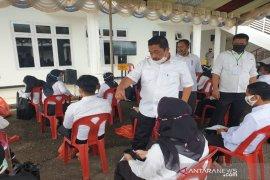 Sekda Tapsel semangati peserta ujian CPNS