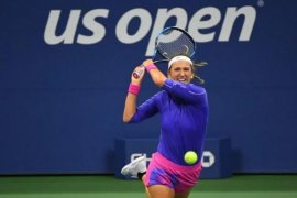 Azarenka maju ke semi final Grand Slam pertama