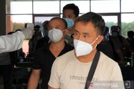 Indonesia larang WNA masuk saat corona kecuali TKA China? Ini faktanya