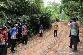 Peningkatan ruas jalan alternatif masyarakat dari Kamawakan menuju Malinau
