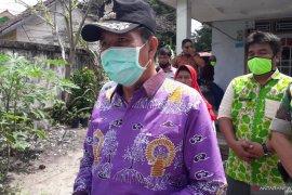 Bupati Bangka Tengah imbau pengunjung pasar patuhi protokol kesehatan
