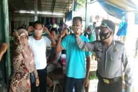 Polsek Padang Tualang Langkat bagikan masker di tiga pusat keramaian