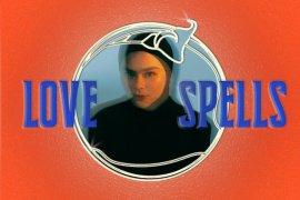 """Pendewasaan diri Sivia Azizah dalam album solo  bertajuk  """"Love Spells"""""""