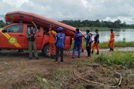 Kondisi banjir menyulitkan pencarian korban tenggelam di Sungai Uluk
