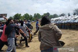 Polres Bangka Barat simulasi pengamanan unjuk rasa Pilkada 2020
