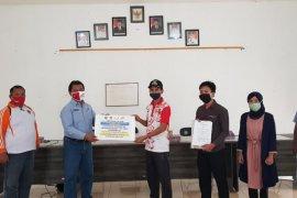 Usman terima beasiswa Polman  Astra dari PAMA ADRO