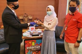 Telkomsel pastikan kehandalan jaringan mudahkan siswa Kalbar nikmati 473 ribu kartu merdeka belajar daring