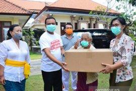 Sekda serahkan bantuan 82.000 masker ke panti sosial se-Bali