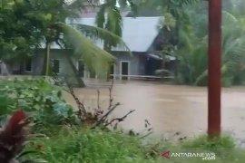 Diguyur hujan, sejumlah lokasi di Kota Bengkulu terendam banjir