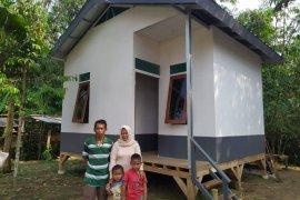 Yayasan Habitat Kemanusiaan Indonesia bangun huntara bantu warta terdampak bencana di Lebak