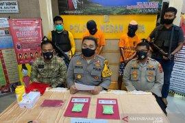 Polisi tangkap pengedar pil ekstasi di tempat hiburan malam di Medan