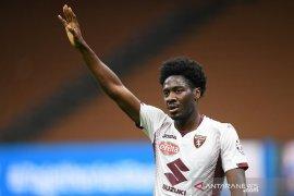 Klub promosi Liga Premier Fulham pinjam bek Torino Ola Aina