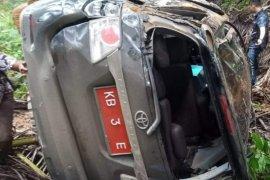 Rombongan Ketua DPRD Sintang masuk jurang