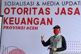 OJK Aceh salurkan 3 ton beras bagi warga terdampak COVID-19