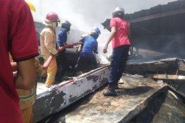 Kebakaran pabrik aksesoris motor Lamongan telan kerugian Rp1 triliun