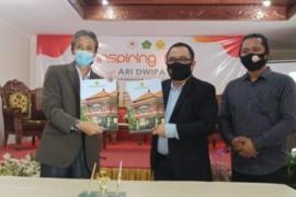 Stafsus Presiden dan STAHN Mpu Kuturan bekerja sama lestarikan lontar