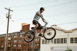 Kini sepeda BMX hadir kembali dengan penggerak listrik