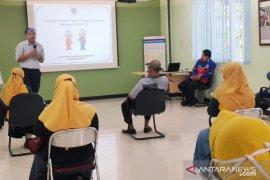 Indocement gandeng salah satu kampung ramah lingkungan di Bogor sosialisasikan hemat energi