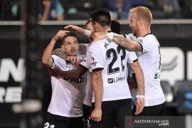 Valencia mengawali musim hantam Levante 4-2