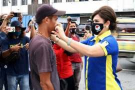 Putus mata rantai penyebaran COVID-19, IDI-Cellfood bagikan masker gratis