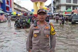 Satu Jembatan gantung roboh diterjang banjir di Melawi