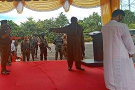 Empat pelanggar qanun syariat Islam di Aceh Utara jalani eksekusi cambuk