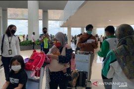 Dinkes Banjarmasin periksa warga dari Jakarta di bandara