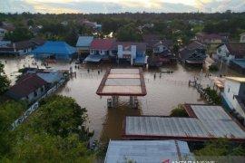 Distribusi BBM dan elpiji di tiga kabupaten di Kalbar terganggu dampak banjir