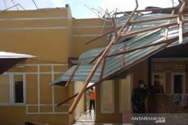 Puluhan rumah di Deli Serdang rusak diterjang angin puting beliung
