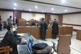 Pengusaha Taufik Agustono didakwa suap eks anggota DPR Bowo Sidik terkait sewa kapal
