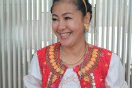 Dukung PSBB DKI, 'Wanita Emas' sebut nyawa lebih penting