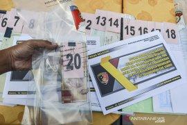 Ungkap kasus korupsi dana desa