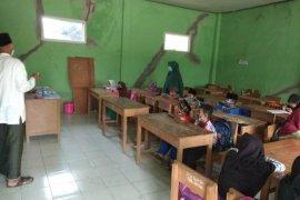 Puluhan siswa madrasah diniyah di Lebak ikuti belajar tatap muka