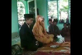 Pelajar belasan tahun menikah, viral di facebook