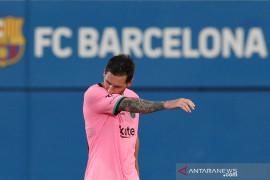 Barcelona peringati 20 tahun bergabungnya  Messi
