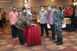 Bapaslon kepala daerah deklarasi Pilkada damai di Provinsi Kalbar