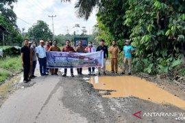 Pemprov Kalbar gandeng perusahaan perkebunan perbaiki infrastruktur