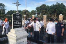 Ketua DPD RI La Nyalla kunjungi makam Nommensen dan Sisingamangaraja XII