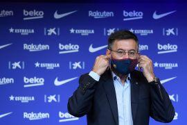 Polisi Katalunya geledah kantor Manajemen Barcelona dan tangkap Bartomeu