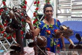 PT Pertamina MOR VIII bantu kelompok kerajinan tempurung