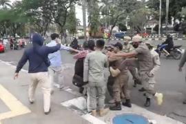 Polisi dalami kasus tendangan terbang oknum Satpol PP kepada mahasiswa