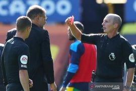 Bilic pertanyakan keputusan wasit ketika West Brom kalah lawan Everton