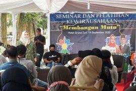 Kasmarni hadirkan motivator UMKM Batu Malang beri pelatihan kewirausahaan di Duri