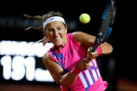 Azarenka ke perempat final Italian Open setelah Kasatkina cedera dan menyerah
