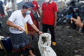 Bupati Klungkung larang sampah plastik dibuang di pantai