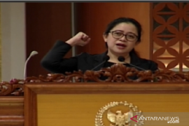 DPR minta pemerintah turunkan harga tes usap