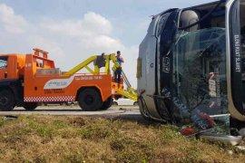 Bus alami kecelakaan di Tol Cipali Km 177 berakibat seorang tewas