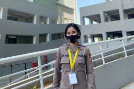 Seorang perawat Biddokkes Polda Bali ditugaskan bantu di RSD Wisma Atlet